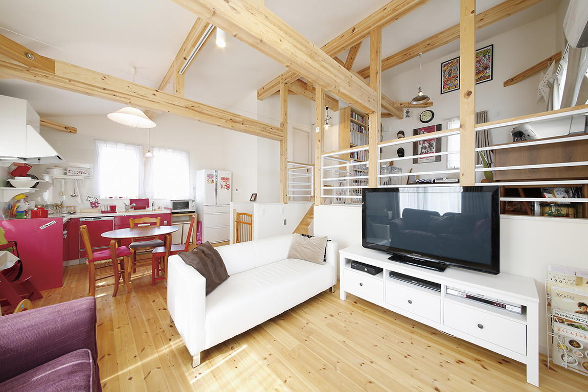 ヒロ建工口コミ:スキップフロア&匂配天井で1,000万円台でほっこり我が家