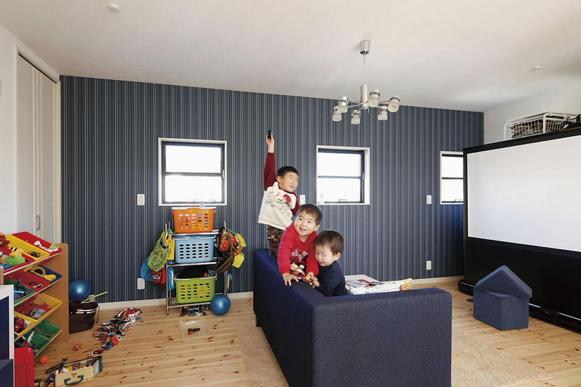 お客様の声 No.07:4人の子どもの成長を考えてリビングは1階と2階に確保